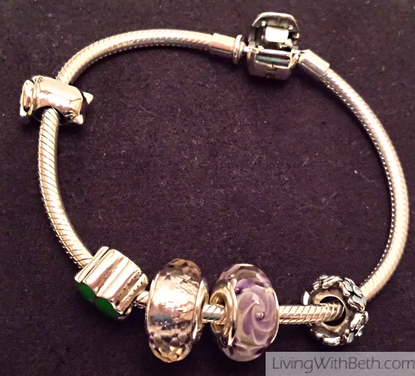 Soufeel offers lovely bracelets, charms and other jewelry
