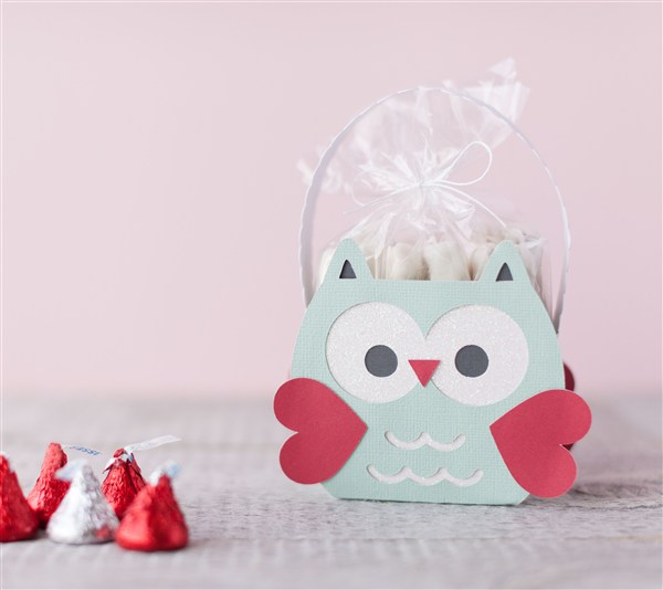 Have A Happy Cricut Valentine S Day Livingwithbeth Com