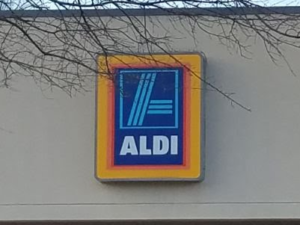 I stopped shopping at Aldi after a few bad experiences several years ago. After reading so many glowing stories about Aldi's lately, I decided to give Aldi another try.